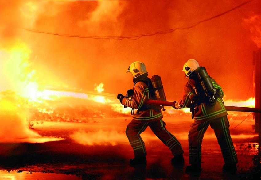 ماجرای آتش سوزی شبانه ی یکی از مجتمع های مسکونی یزد چه بود؟