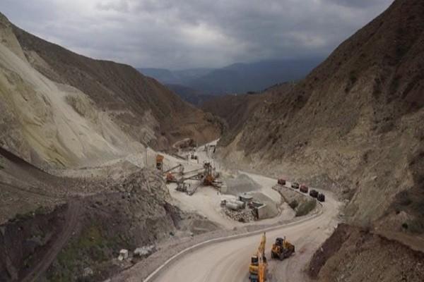 مجوز معدن دهشیر قانونی و براساس پاسخ مثبت ارگانهای مرتبط صادر شده است